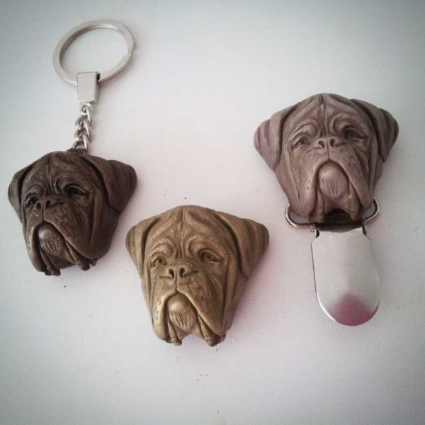 RESIN KEYRINGS, CLIPS & BROOCHES